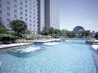 ホテルイースト21東京(オークラホテルズ&リゾーツ) 都内最大級の広さを誇るガーデンプール(夏季営業)