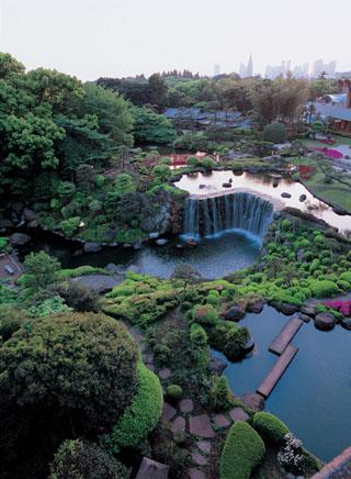 ホテルニューオータニ 400年の歴史を有す、4万平方メートルの日本庭園