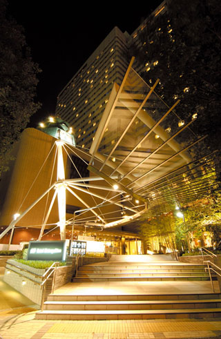 ホテルメトロポリタン 交通至便な池袋駅西口より徒歩3分。