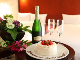 メルキュールホテル銀座東京 ワンランク上の滞在~4つの特典がついたお誕生日プランで優雅なひとときを
