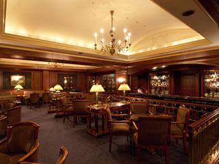 リーガロイヤルホテル東京 英国調のシックな「セラーバー」