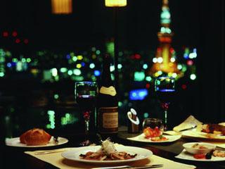 ロイヤルパークホテル ザ 汐留 夜は旬の食材を使ったフレンチのコースをお楽しみ下さい