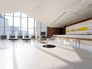 渋谷エクセルホテル東急 天井が吹き抜けで開放感溢れるフロント・ロビー