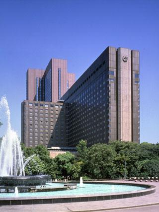 帝国ホテル 伝統のおもてなしと最新の設備を併せもつホテルです。日比谷公園の緑を望み、銀座や劇場街にもほど近い最高のロケーションです。