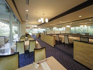 東京プリンスホテル 開放的な店内で旬の素材を活かした料理をお楽しみいただける「中国料理 満楼日園」