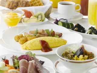 ホテル雅叙園東京(旧:目黒雅叙園) 朝食は西欧料理「クラブラウンジ」にて、約30種類のブッフェをご提供致します!