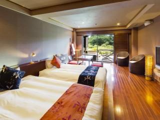 ホテルグリーンプラザ箱根 女性に人気の特別室「アジアンツインルーム」は専用露天風呂付