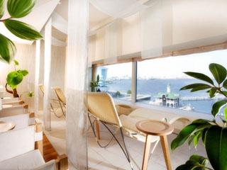 ヨコハマ グランド インターコンチネンタル ホテル 絶景を一望しながらトリートメントが受けられるスパ「ベイ ウィンドー」