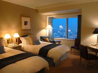 横浜ロイヤルパークホテル 603室の客室は52階から67階という高さ210m以上に位置している