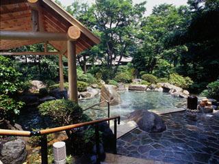吉池旅館 四季折々の眺めをお楽しみ頂けるお風呂です