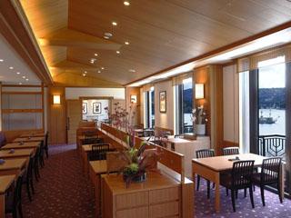 小田急 山のホテル 景色もご馳走のひとつ、日本料理レストラン「つつじの茶屋」