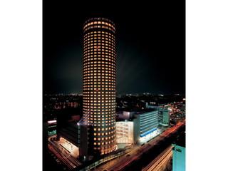 新横浜プリンスホテル 876の客室と4つのレストラン・バーが入るホテル