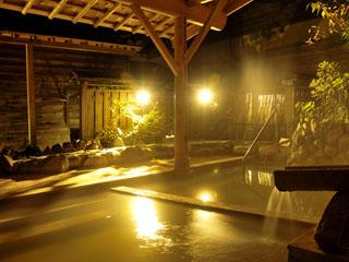 強羅花扇 早雲閣 箱根の自然に触れながら含土類重曹-石膏泉のにごり湯を源泉掛流しで愉しめる
