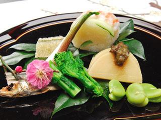 鶴井の宿紫雲荘 季節のおまかせ会席の一例