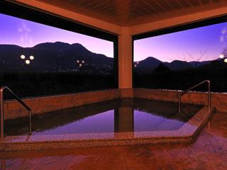 箱根エレカーサ ホテル&スパ 源泉かけ流しの温泉を景色とともに楽しむ