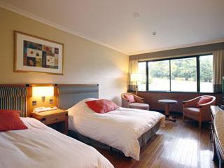 小田急 箱根ハイランドホテル 自然豊かな森に囲まれ、高原リゾートを満喫「スタンダードツイン」