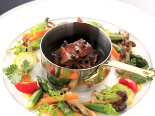 箱根フォンテーヌブロー仙石亭 季節によってメニューが変わるディナーコース