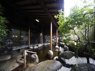 ホテルグリーンプラザ上越 岩作り露天風呂でゆったりとおくつろぎ下さい