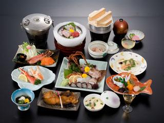 大観荘せなみの湯 目の前に広がる日本海の新鮮な海の幸、ここでしか味わえない味覚があります