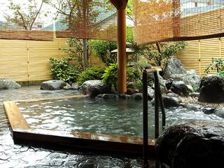 湯沢ニューオータニ 桧の和風露天風呂