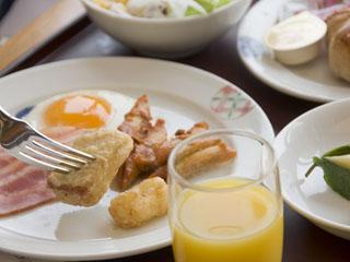 あえの風 朝食は約40種類からお好みの料理を選べるビュッフェ