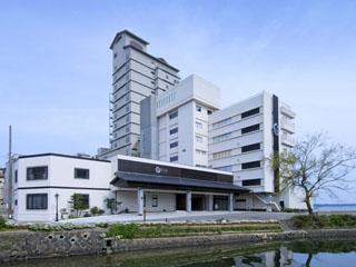 加賀屋グループ 虹と海 美しい七尾湾を望む、和倉温泉「虹と海」