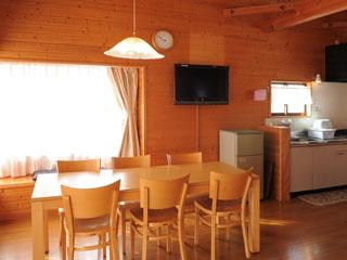 ネオオリエンタルリゾート八ヶ岳高原 広々とした空間でゆったりとお過ごしください。キッチンもありますので自炊もOK