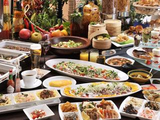 ハイランドリゾートホテル&スパ 夕食は、人気のバイキングの他に和食・中華レストランと種類が豊富です