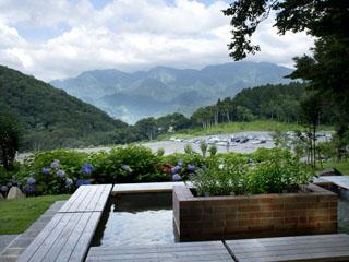 ホテルグリーンプラザ白馬 アルプスの山々を臨む足湯「足美人湯」