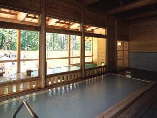 湯元齋藤旅館 夏の大浴場