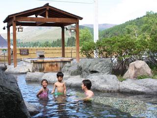 白樺リゾート池の平ホテル さらりとした刺激の少ない自家源泉を使用した温泉を家族一緒に愉しもう