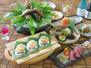 野沢グランドホテル 旬の地元食材を盛り込んだ「ふるさと料理」