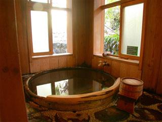 貸切風呂-造りの異なる貸し切り風呂が5つ。無料、予約不要です