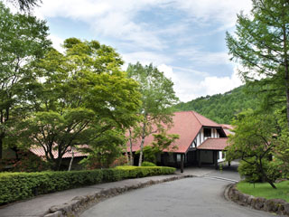 蓼科東急ホテル 標高1300m、大自然の中に佇むリゾートホテル