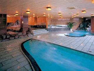 ハトヤホテル 自家源泉5本!24時間満喫できる天然自噴の掛け流し湯