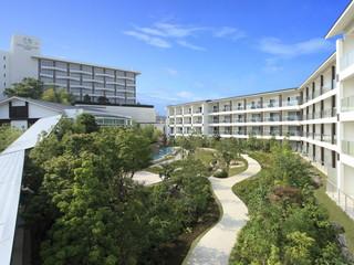 ホテルウェルシーズン浜名湖 約600坪のガーデンでは、季節の花が楽しめます