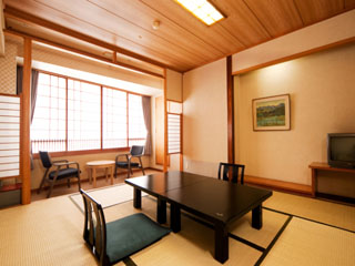 ホテルラヴィエ川良 (客室)様々なタイプのお部屋は、人数に合わせてご利用できます
