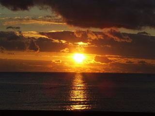 ホテルリゾーピア熱海 お部屋から海上の美しい日の出が望めます