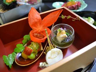 ホテルリゾーピア熱海 海の幸、山の幸を織り交ぜたお料理に舌鼓