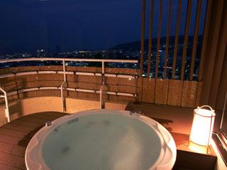伊東ホテル聚楽 市街から海までを一望のアジアンスイート露天風呂付和室