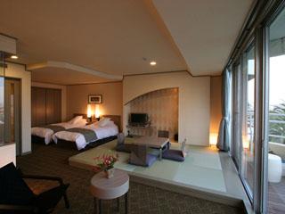 伊東ホテル聚楽 足湯のせせらぎと海風薫る和洋室~ガーデンスイート