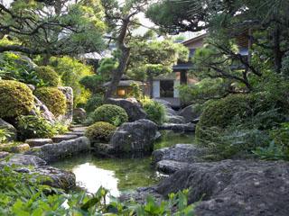 修善寺石亭 鬼の栖 伝統的な日本庭園が美しい一時を紡ぎます