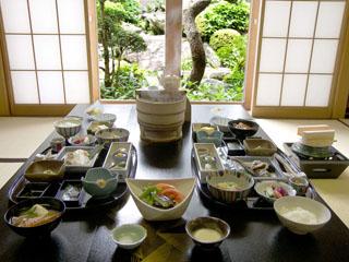 修善寺石亭 鬼の栖 ご朝食にお出しする和食膳のイメージ