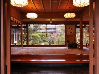 正平荘 エントランスを抜けると…そこは伝統とモダンの融合空間