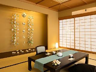 星野リゾート 界 伊東 ご当地部屋「つるし飾り 白椿の間」