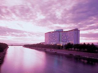 浜名湖ロイヤルホテル 浜名湖を望む湖畔のリゾートロケーション。