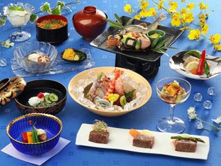 浜名湖ロイヤルホテル 和食料理長・藤口格は、伝統的な技法と斬新なアイデアで日本料理の真髄を極め続ける
