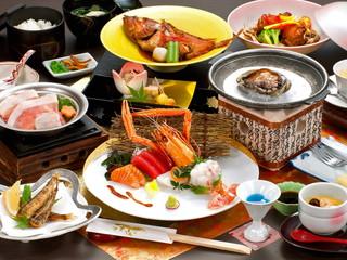 天空海遊の宿 末広 高級食材アカザエビをはじめ、旬食材を使用した創作会席