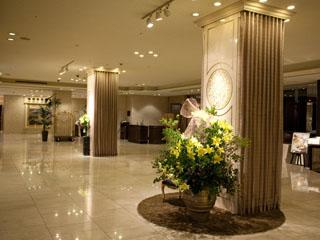 名古屋東急ホテル 落ち着きのあるロビーは待ち合わせにも