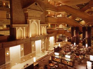 名古屋東急ホテル 4階まで吹き抜けの開放感溢れるアトリウムラウンジ「グリンデルワルド」
